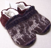 Snow and Arrow Recycled Wool Slippers