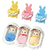 *Calico Critters Triplets Care Set
