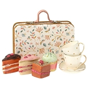 *Maileg Cake Set in a Suitcase