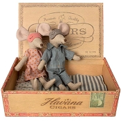 *Maileg Mom & Dad Mice in Cigar Box